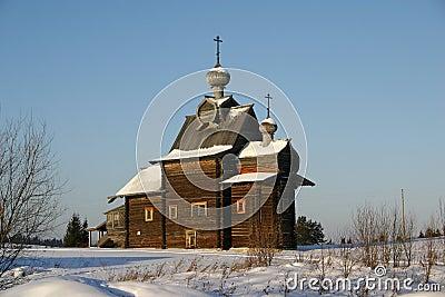 Catedral de madera rusa XVIII del siglo
