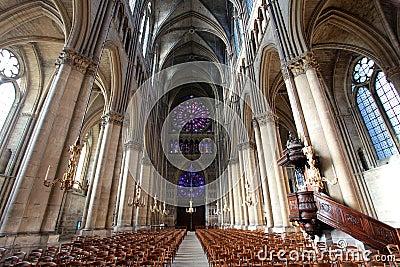 Interior da Catedral Catedral-de-notre-dame-reims-france-12496199