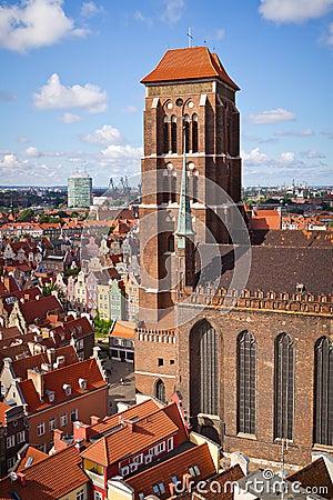 Catedral do St. Mary na cidade velha de Gdansk