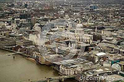 A catedral e a cidade de St Paul de Londres