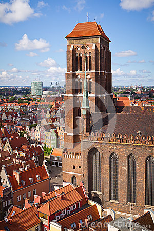 Cathédrale de rue Mary dans la vieille ville de Danzig