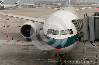 Cathay pacific aircraft near boarding bridge editorial image image 59923990 - Cathay pacific head office ...