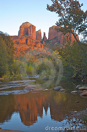 Free Cathedral Rock With Reflection Royalty Free Stock Photography - 11750887