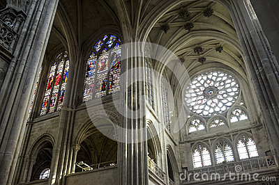 Cathedral of Senlis, interior