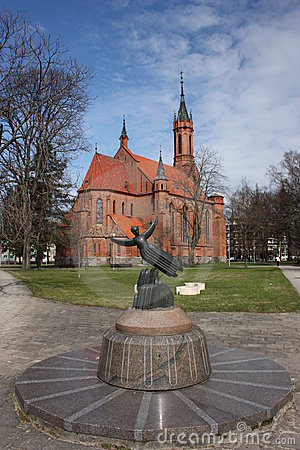 Free Catholic Church And Sculpture. Royalty Free Stock Photos - 19449168