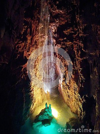 Free Cave Water Fall Stock Photo - 95861260