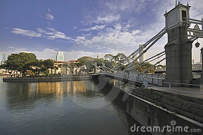 Cavenagh Bridge, Singapore River