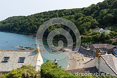 Cawsand wyrzucać na brzeg Cornwall Anglia Zjednoczone Królestwo na Rame półwysepie przegapia Plymouth dźwięka Fotografia Editorial