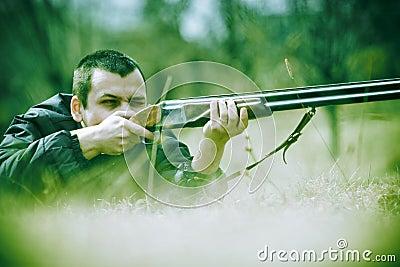 Ficha de Aztul Davengrave Cazador-que-apunta-la-escopeta-thumb2157917