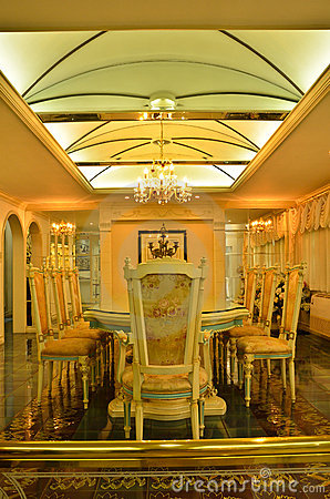 Ceiling of a grand dinning room