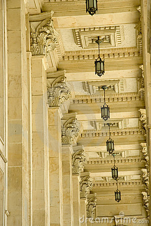 Free Ceiling, Lamps And Columns Royalty Free Stock Photos - 2328608