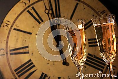 Celebración de Años Nuevos con champán