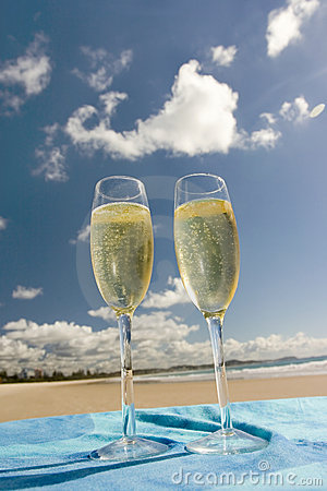 Free Celebration On The Beach Royalty Free Stock Photography - 143737