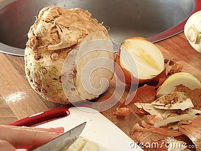 Celeriac and onion partly cut