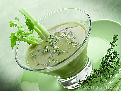 Celery cream soup with thymus