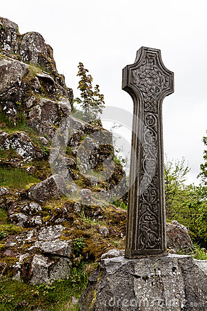 Free Celtic Grave Stone On A Hill Stock Photo - 26242410