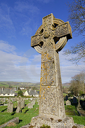 Free Celtic Stone Cross Royalty Free Stock Image - 4670016