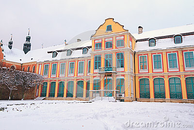 Cenário do inverno do palácio dos abades em Oliwa