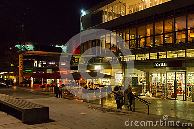 Centro del sur Londres del banco Foto de archivo editorial