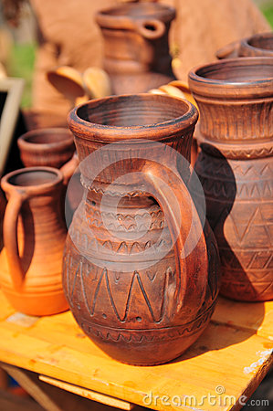 Free Ceramic Jugs Royalty Free Stock Photo - 26082425