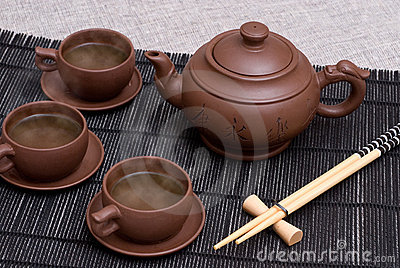 Ceramic teapot and cups