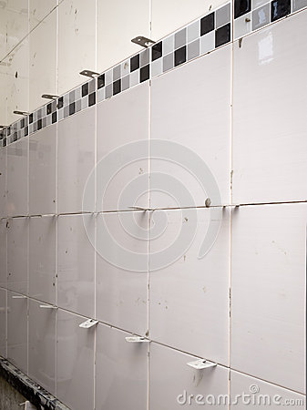 Ceramic tiles with spacers