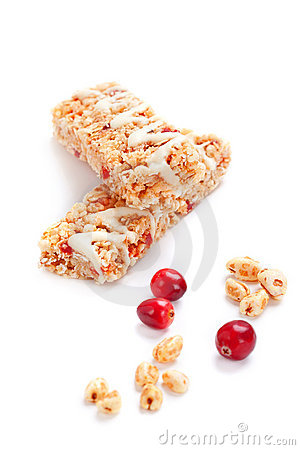 Cereal bars with puffed wheat and cranberries
