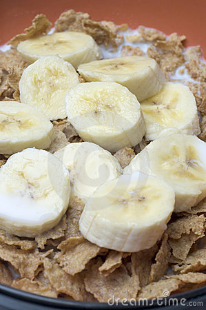 Free Cereal With Bananas Royalty Free Stock Image - 1919016