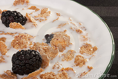 Cereals with blackberry