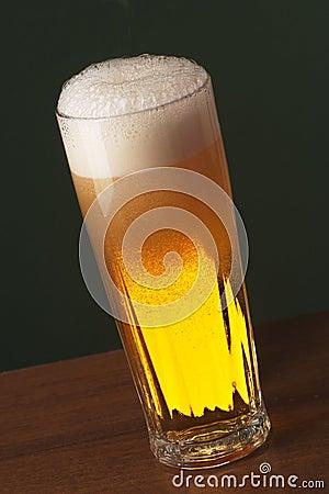 Cerveja recentemente derramada