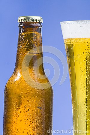 TABERNA TWILIGHT - Página 2 Cerveza-fr%C3%ADa-y-sabrosa-fresca-thumb8292916