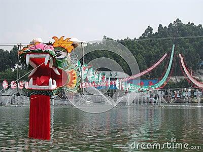 Cervo volante gigante del drago