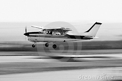 Cessna 210 - Touch  n Go - BW