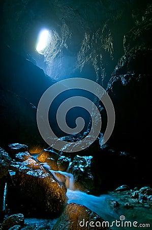 Cetatile Ponorului cave