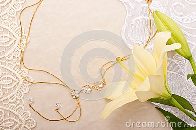 Chain and lily
