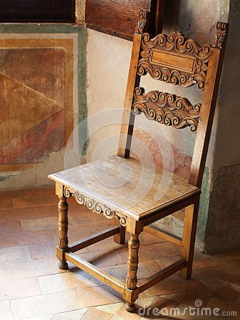 chaise en bois antique roman villa photo stock image 55942307. Black Bedroom Furniture Sets. Home Design Ideas