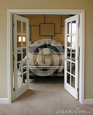 اجمل تصاميم ابواب غرف النوم   صور ديكورات أبواب غرف نوم مميزة احدث ابواب