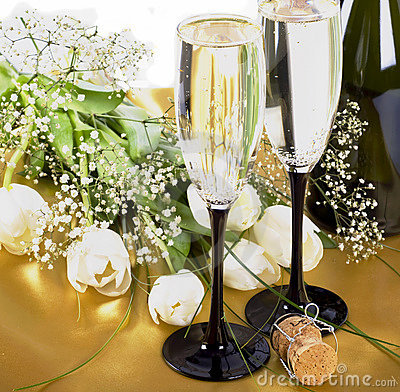 Free Champagne And Flowers Stock Photo - 13367450