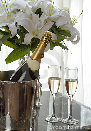 Free Champagne And White Lily Stock Image - 6829371