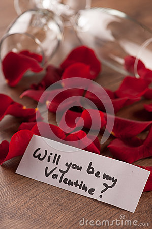 Free Champagne Flute And Gift To Valentines Day Royalty Free Stock Image - 49106576