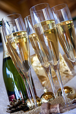 Free Champagne Glasses Stock Photos - 16630693