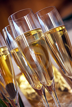 Free Champagne Glasses Stock Photos - 16704623