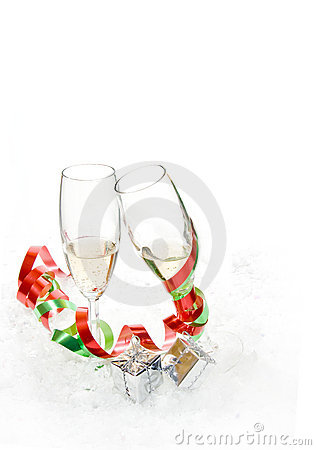 Champagne glasses with bows