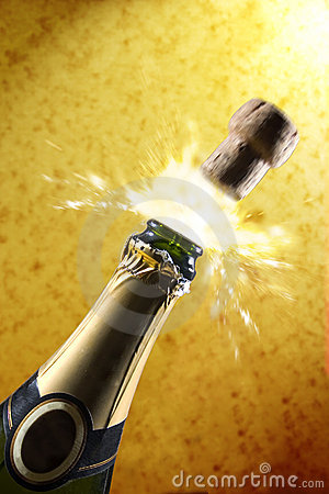 Free Champagne (gold) Royalty Free Stock Photo - 32015