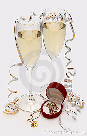 Free Champagne, Wedding Bands And Mouse In Heart Royalty Free Stock Photo - 4313075