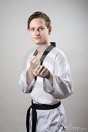 Champion de courroie noire du Taekwondo