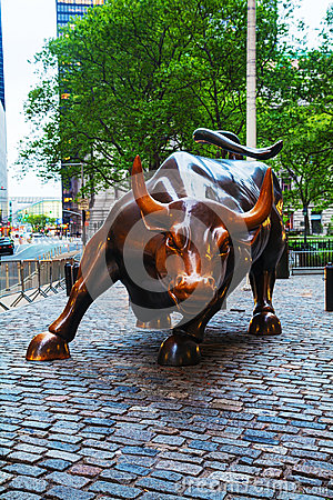 Free Charging Bull (Bowling Green Bull) Sculpture In New York Royalty Free Stock Photo - 34807455