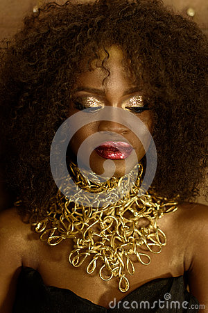 Free Charming Elegant African American Woman. Girl Posing With Closed Eyes And Jewelry, Wearing Fashionable Gold Necklace Stock Images - 72499194