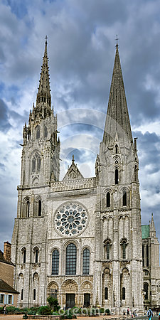 Free Chartres Gothic Cathedral Main Facade And Towers Royalty Free Stock Photo - 34267175