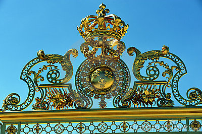 Chateau de Versailles, Front Gate, Golden Emblem o